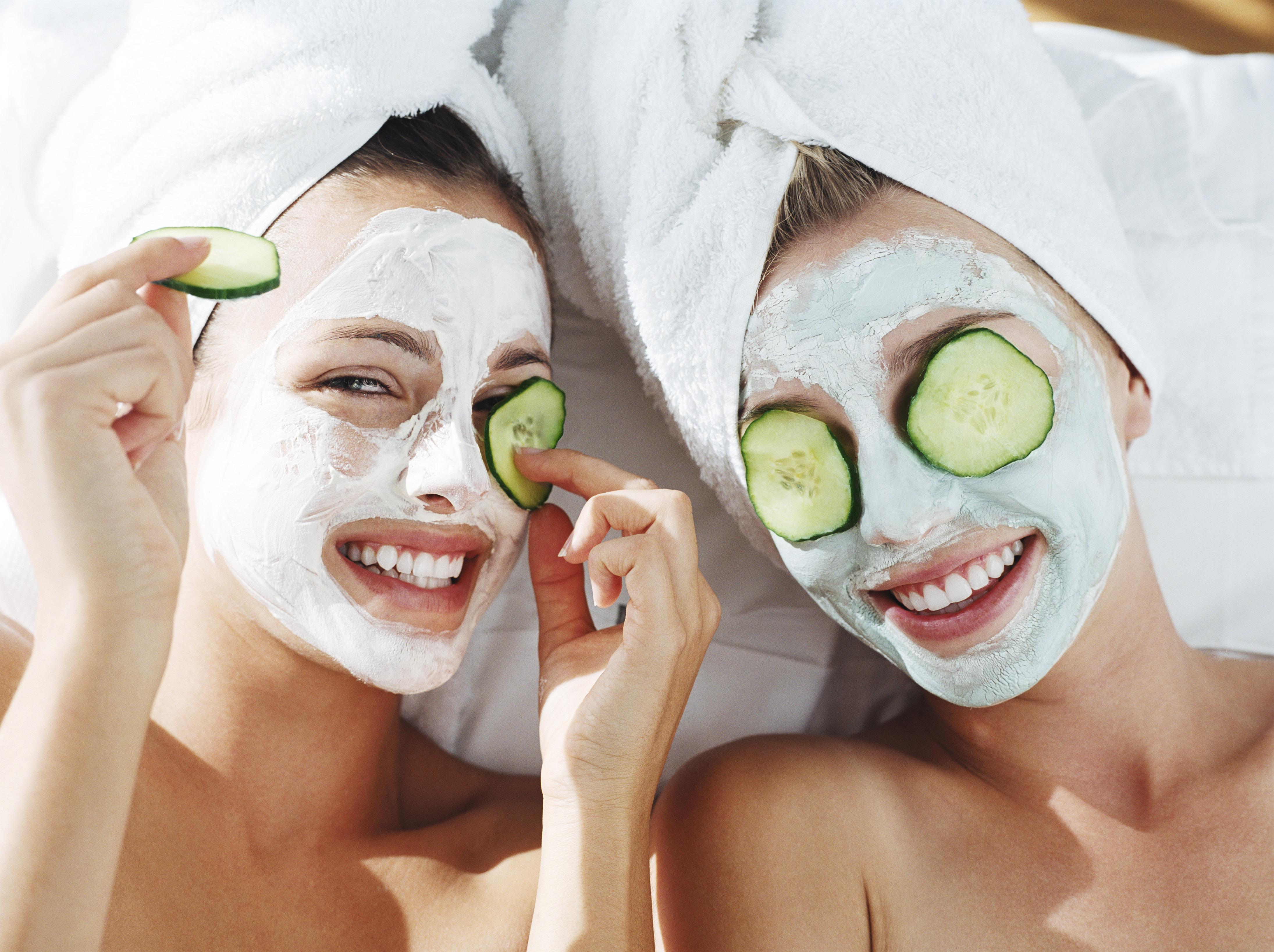 Cucumber-face-mask